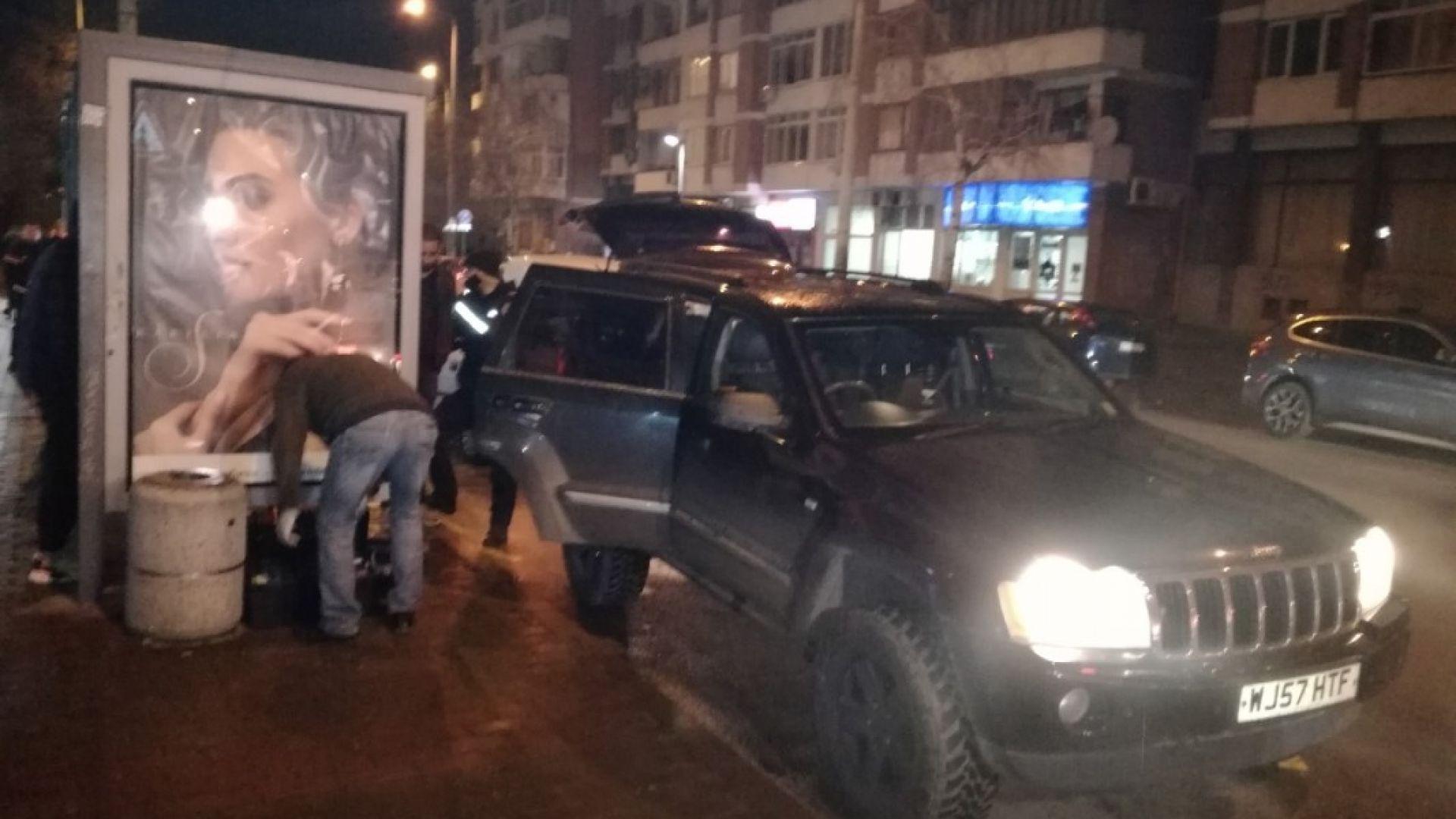 """Арестуваните във Велико Търново тествали автомат """"Калашник"""" в жилищен квартал"""
