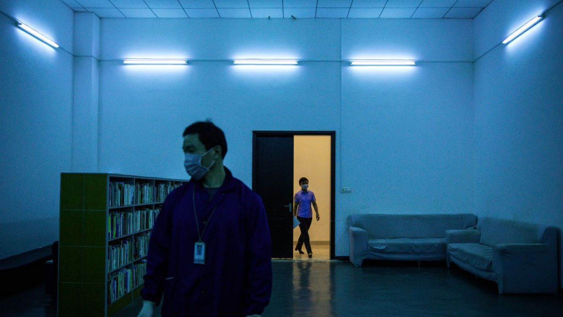 Наказват учител заради неправилна употреба на UV лампа, изгорила деца в Бистрица