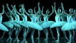 Операта в Париж няма да сваля постановки. Но и балетът не е музей на XIX век