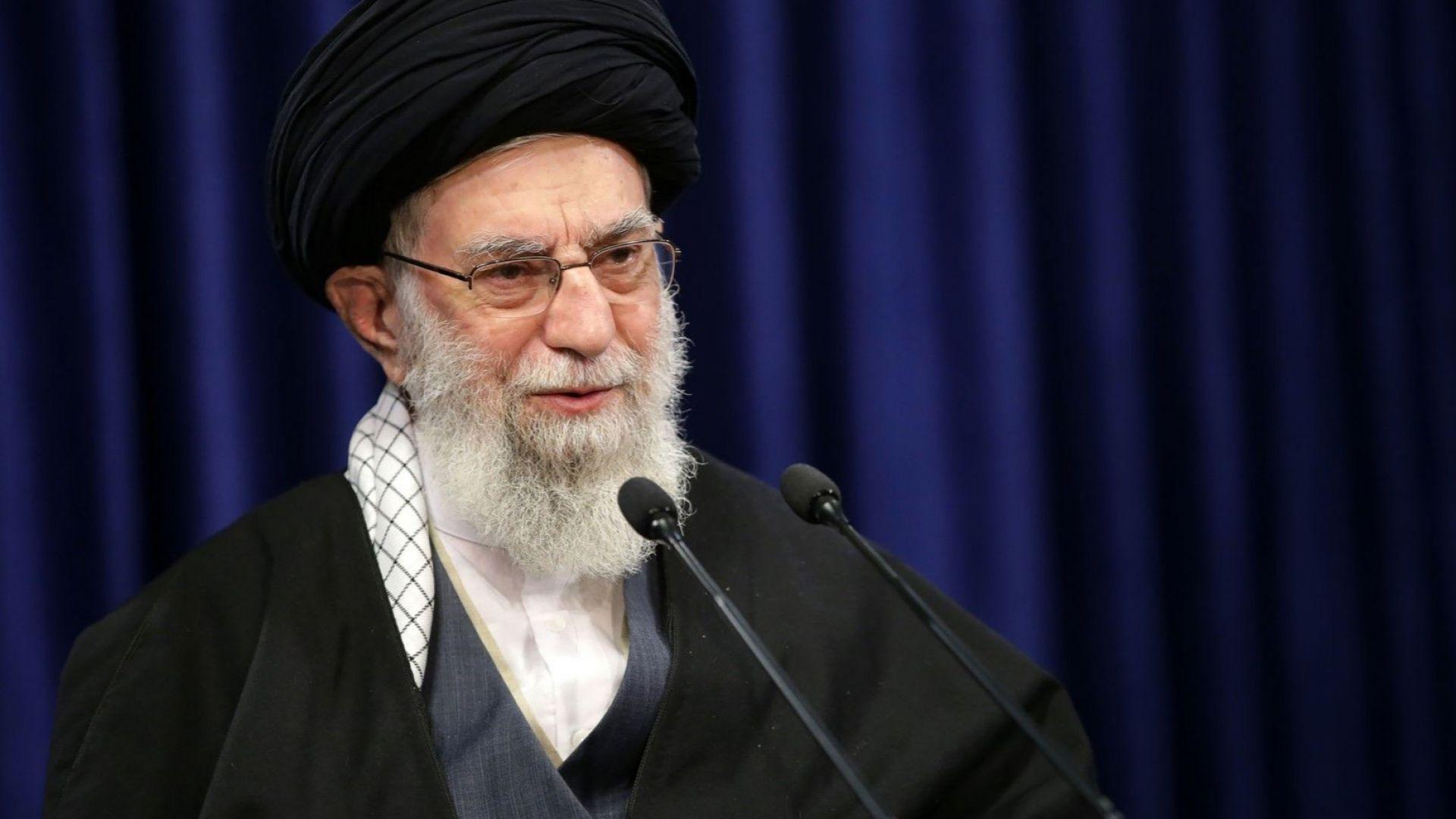 Аятолах Хаменей забрани вноса на американски и британски ваксини
