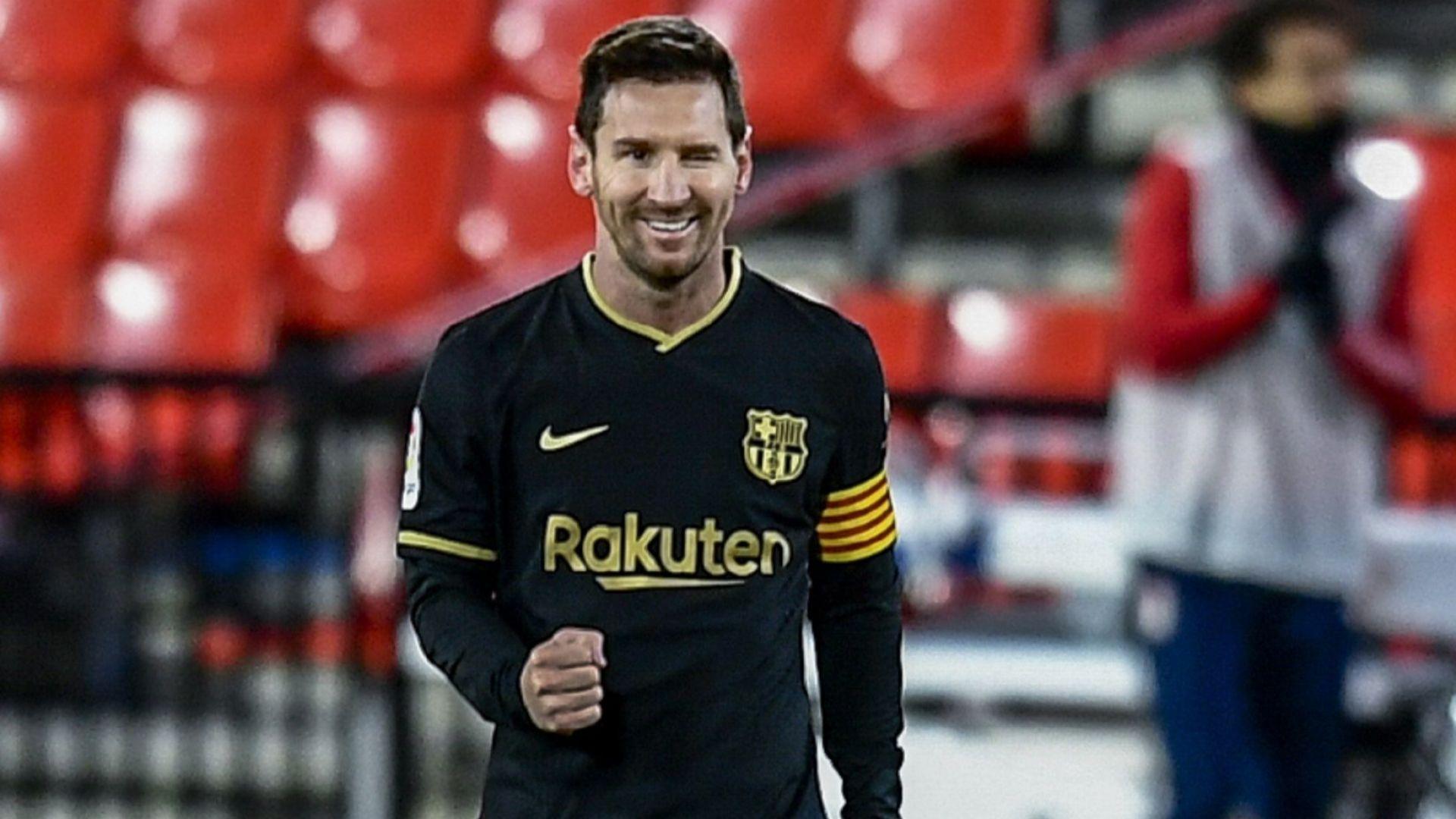 Разгром донесе усмивки на Лео Меси и Барселона