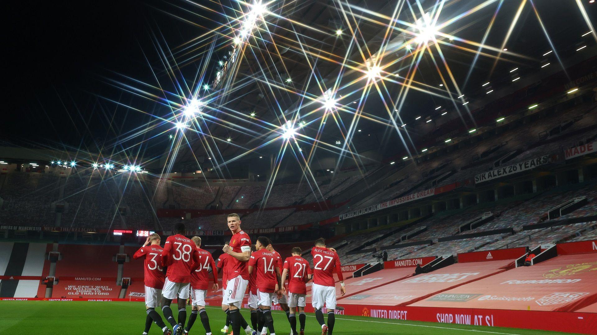 Без да блестят, Манчестър Юнайтед и Арсенал не допуснаха сензация за Купата