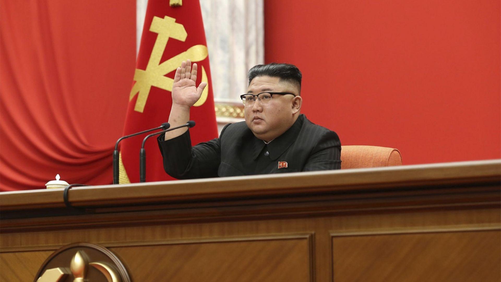 Ким Чен-ун бе избран за генерален секретар на КТП и ръководител на ревюлоцията