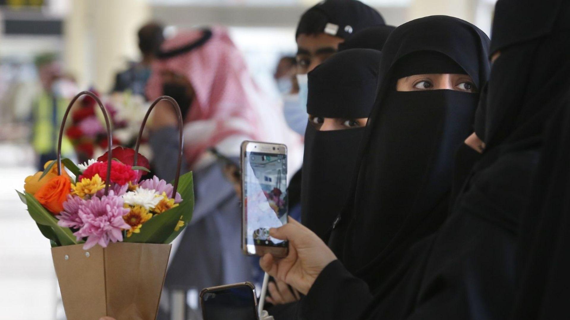Катар възобнови полетите до Саудитска Арабия