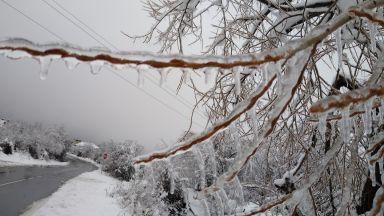Арктичен студ и слаб сняг през почивните дни