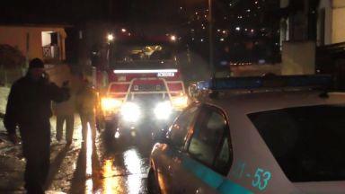 Спасиха 7 деца и 4-ма възрастни от срутила се заради придошлите води къща в Смолян