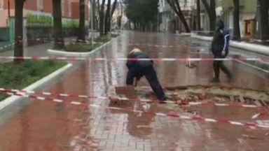 Улица пропада за трети път след основнен ремонт във Варна