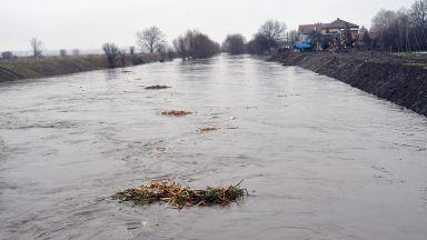Опасност от наводнения във водосборите на реките Искър, Марица и Места