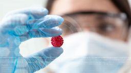 Рядък вариант на коронавируса откриха в Италия