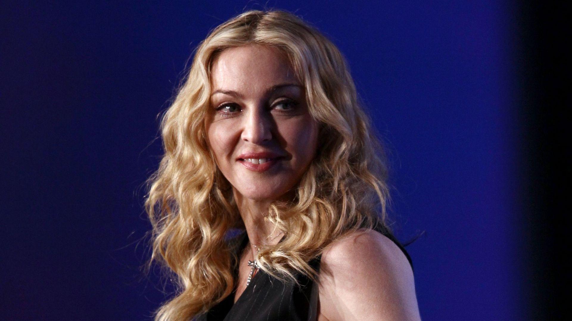 Мадона обиколи пет държави за три седмици в разгара на пандемията