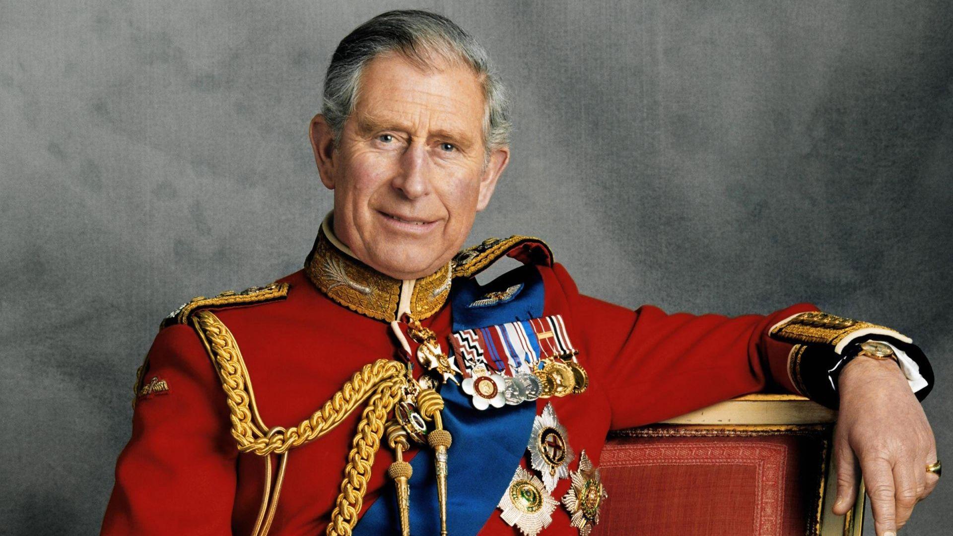 Принц Чарлз чака ред за ваксина срещу Covid-19