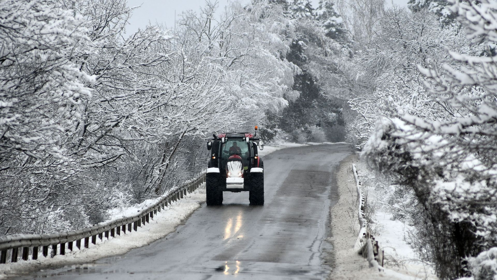 Пътна полиция към шофьорите: Идва сняг и заледявания