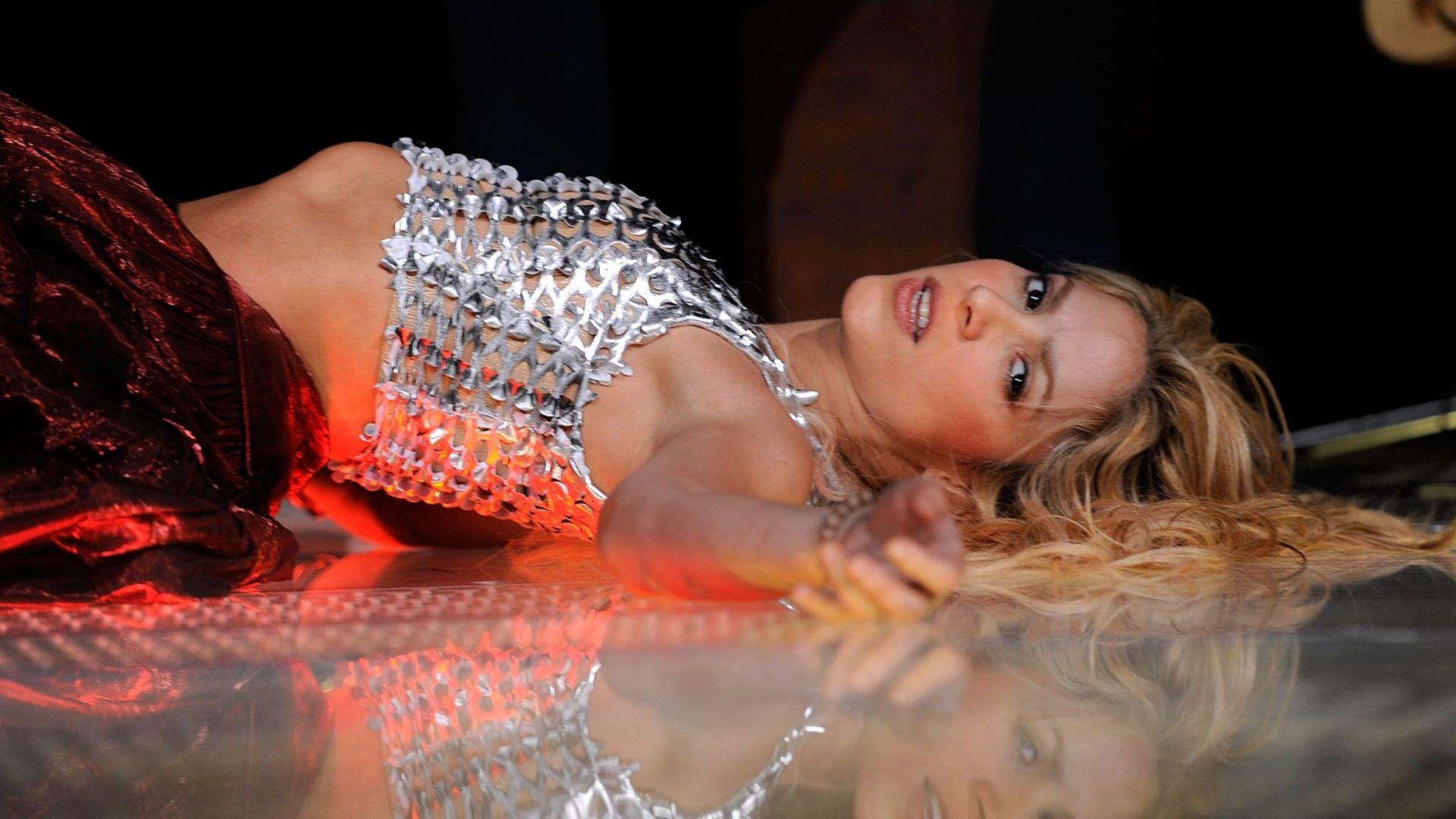 Шоубизнесът в криза - Шакира продаде правата върху всичките си 145 песни