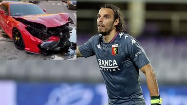 Служител на автомивка разби ферарито на футболна звезда в Италия