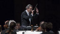 Фабио Луизи остава начело на симфоничния оркестър на Далас до 2029 г.