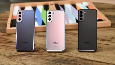 Samsung ще премахне зарядните и слушалките и от други бъдещи телефони