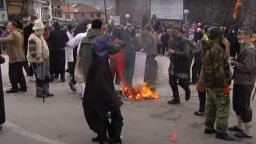 Запалиха българското знаме на карнавал в Северна Македония (видео)