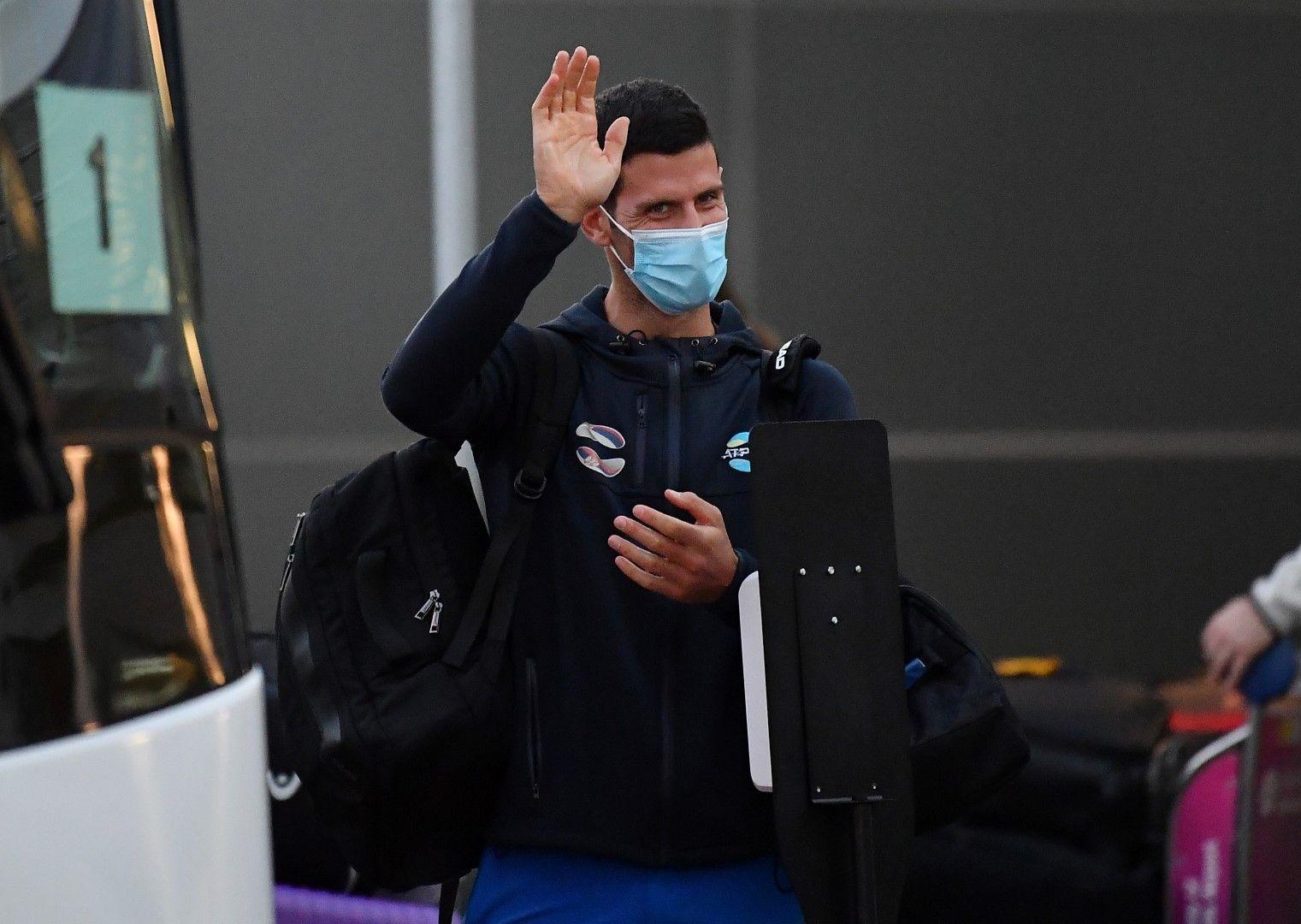 Новак Джокович на летището в Аделаида