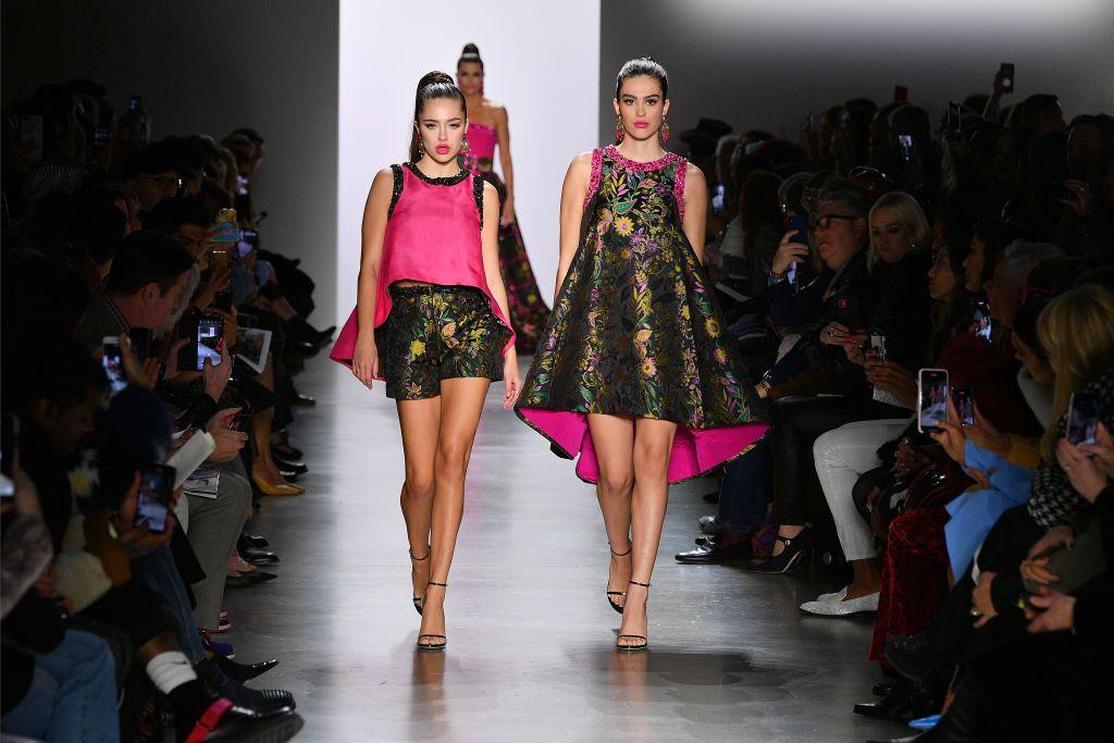 Амелия и Дилайла Хамлин на Седмица на висшата мода в Ню Йорк 2020 г.