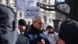 """Трети ден протест на """"Възраждане"""", зам.-министър излезе да отговори на въпроси за ваксините (снимки)"""