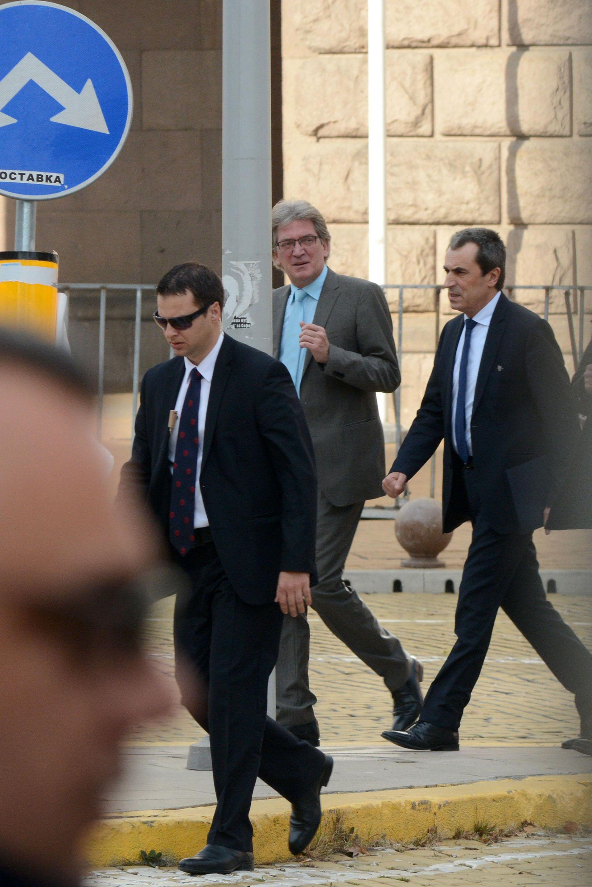 През 2013 година Ивайло Данаилов (в средата) беше медиен съветник на премиера Пламен Орешарск