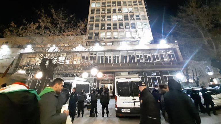 Засилено е полицейското присъствие в района на Българската национална телевизия