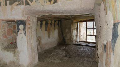 """Скалният манастир """"Св. Архангел Михаил"""" пази тайни на 800 години"""