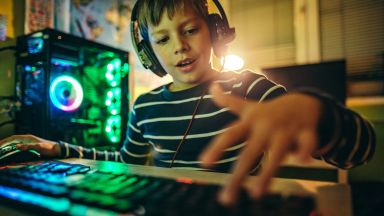Деца случайно пробиха защитата на Linux Mint