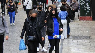 Магазините в Гърция отново работят от днес