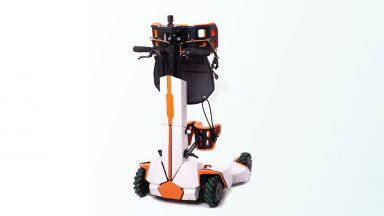 Български робот помага на хора с гръбначни наранявания да проходят