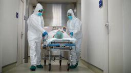 Близо 1/3 от англичаните,  преболедували COVID-19, хоспитализирани повторно