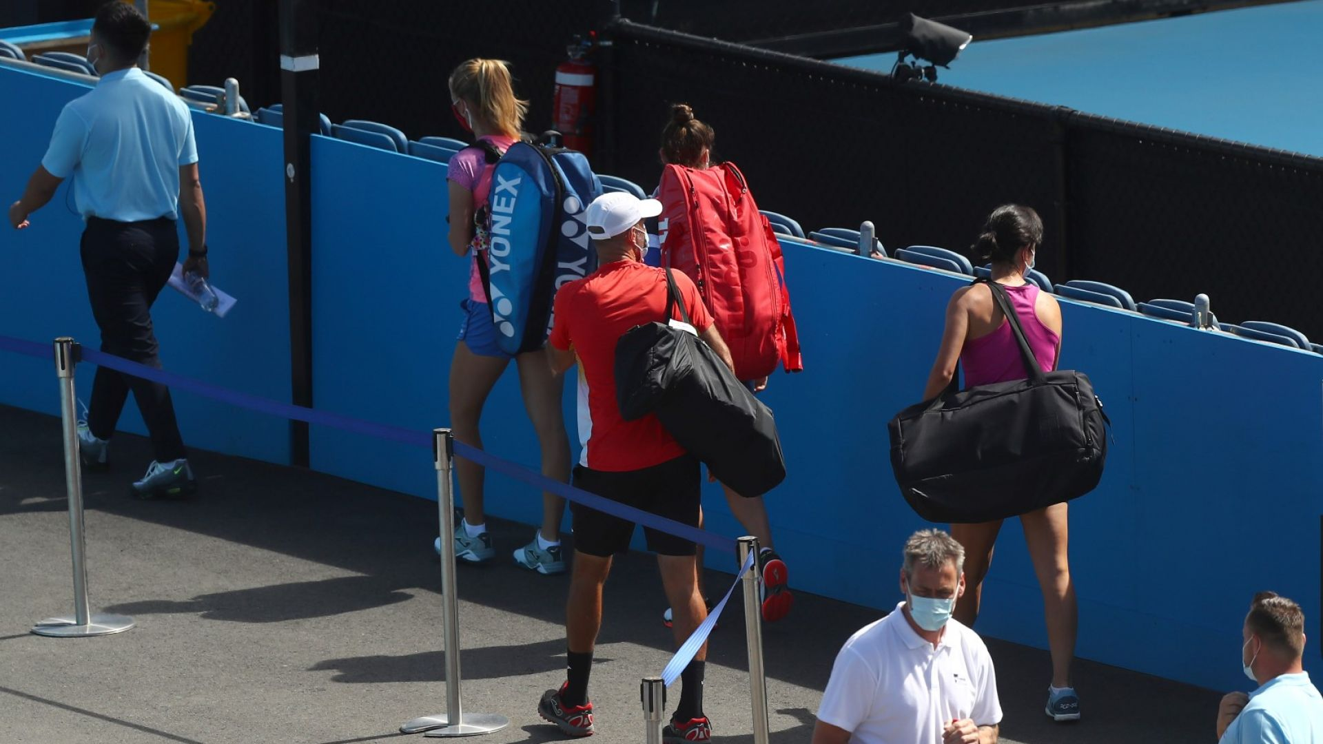 Първи два случая на заразени тенисисти в балона за Australian open