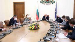 Бойко Борисов предлага отваряне на ресторантите и част от моловете
