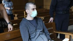 Майката на убитата Дарина пред Dir.bg: Викторио ни заплашва дори в съда