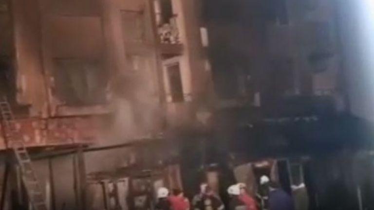 Пожар избухна в неработещо заведение в Приморско. Според местни жена