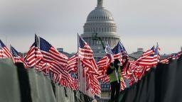 Специално за Dir.bg от САЩ: С хиляди войници на улицата Америка посреща 46-ия президент