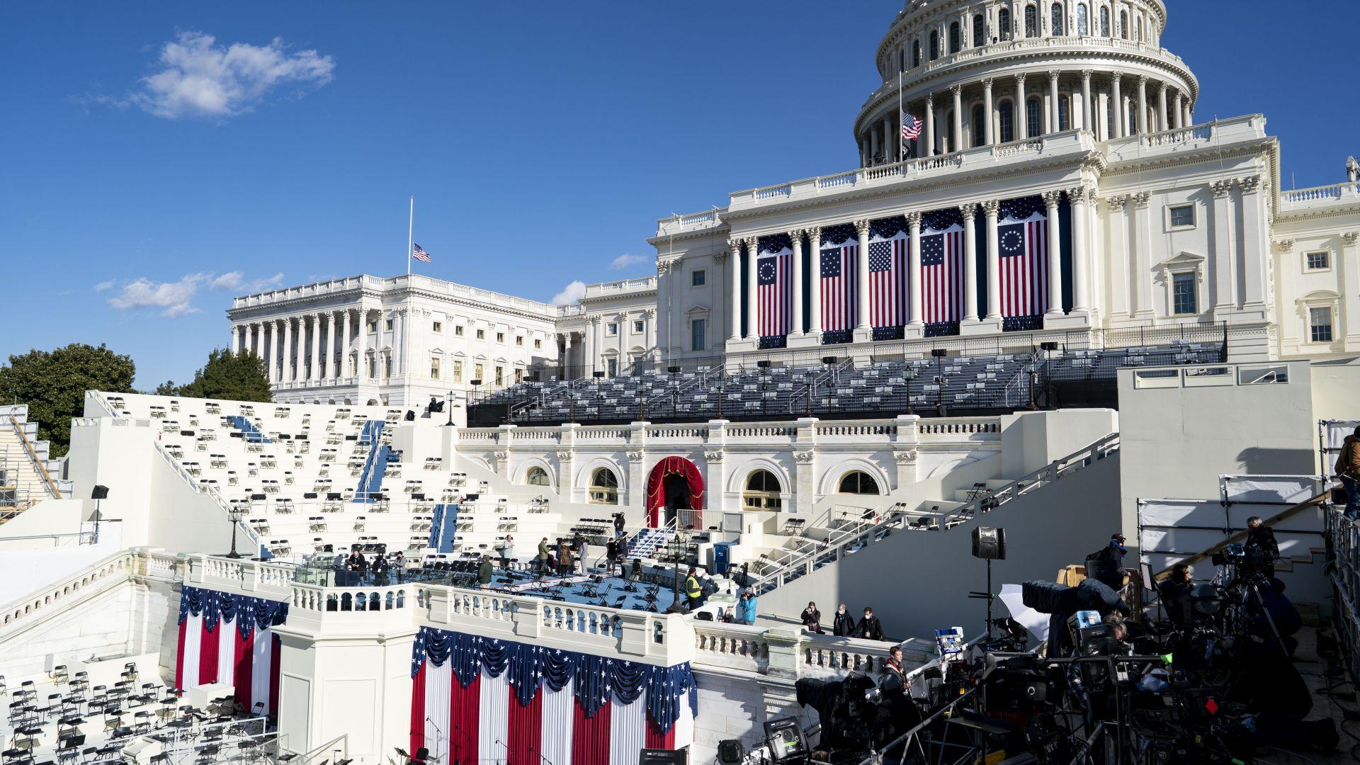 Моментът настъпи: Едно различно начало на новото в САЩ (снимки)