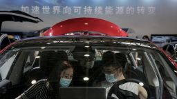 Още един електромобил на Tesla се самозапали в Шанхай