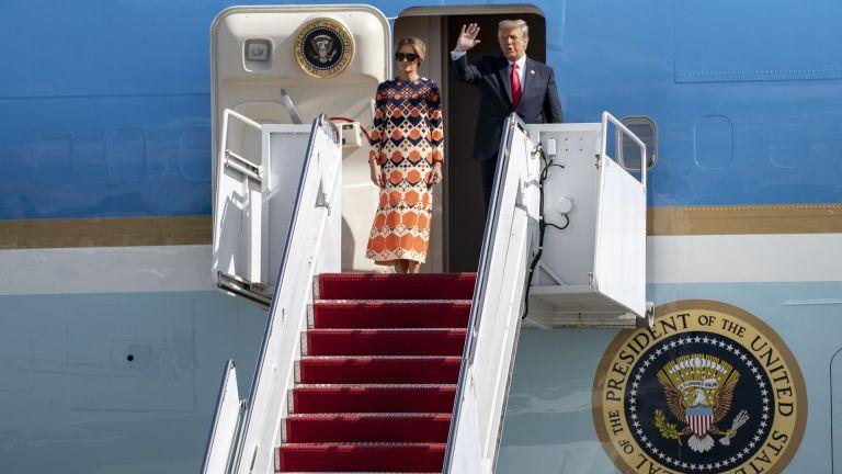 Доналд Тръмп пристигна в резиденцията си