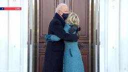 """Джо и Джил Байдън влязоха в новия си дом на """"Пенсилвания авеню"""" №1600 (снимки)"""