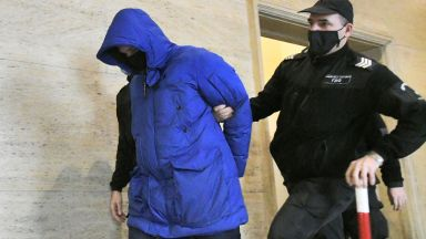 """Делото """"Милен Цветков"""" тръгна: Съдът отказа на майката на Кристиан да го защитава"""