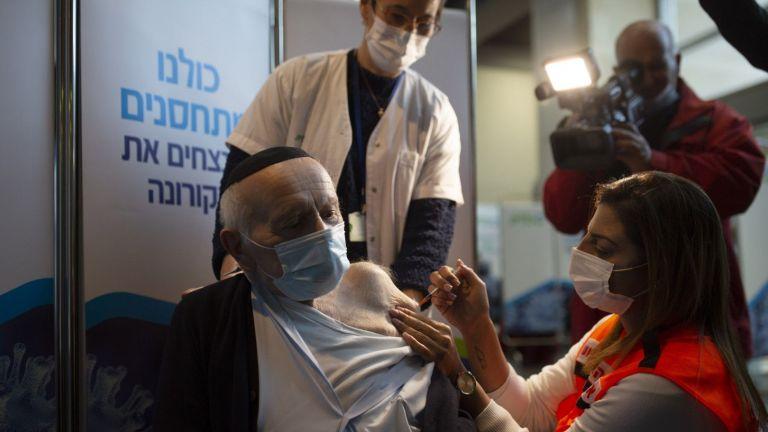 В Израел е ваксинирана една четвърт от населението и на