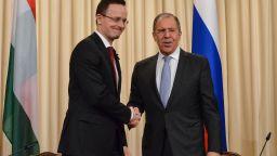 """Първа от страните в ЕС: Унгария купува от руската ваксина """"Спутник V"""""""