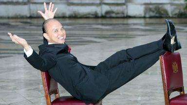 Джими Чу открива академия за мода в Лондон
