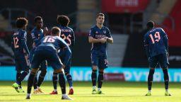 Шампионът Арсенал отпадна безславно за Купата на Англия
