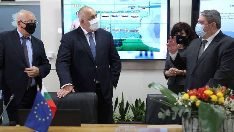 Премиерът Бойко Борисов и министърът на околната среда Емил Димитров