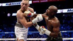 И Мейуедър нападна Конър: Не може да спечели в собствения си спорт, а иска да се боксира