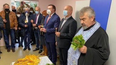 Здравният министър: България може да ваксинира между 50 до 100 хил. души на ден