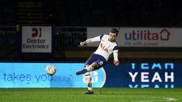 Тотнъм продължава напред за Купата след 25 опита за гол