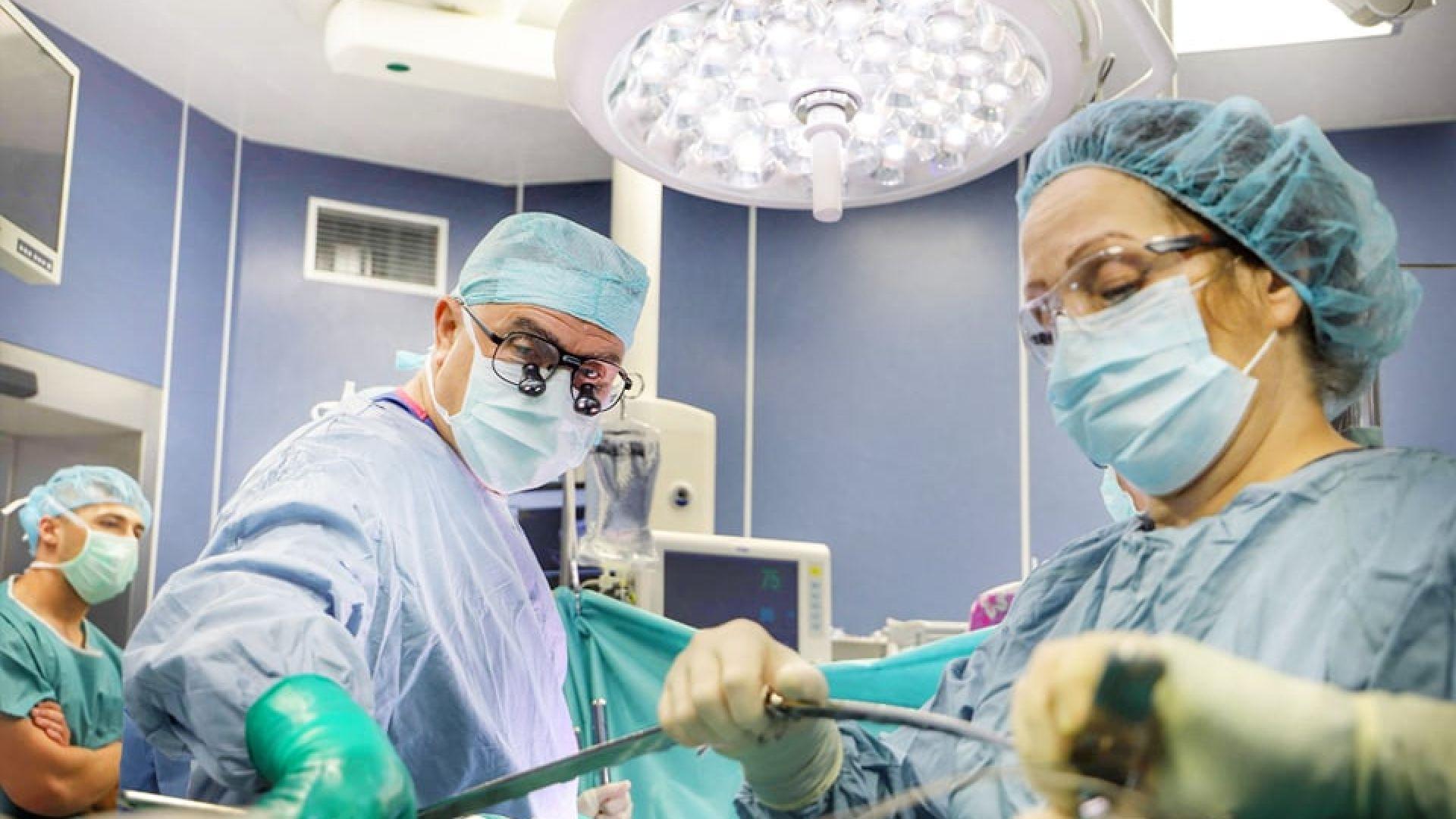 """Съвместен екип на ВМА и """"Пирогов"""" спаси бебе с рядък тумор"""